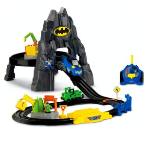 geotrax-dc-super-friends-the-batcave-rc-set-d-1